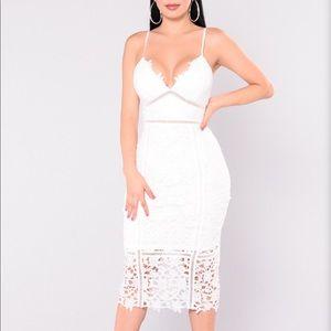 Fashion nova NWT Xs Midi Dress